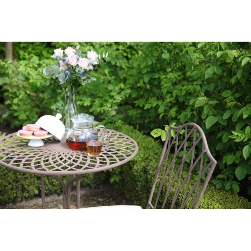 Antikolt kerti asztal