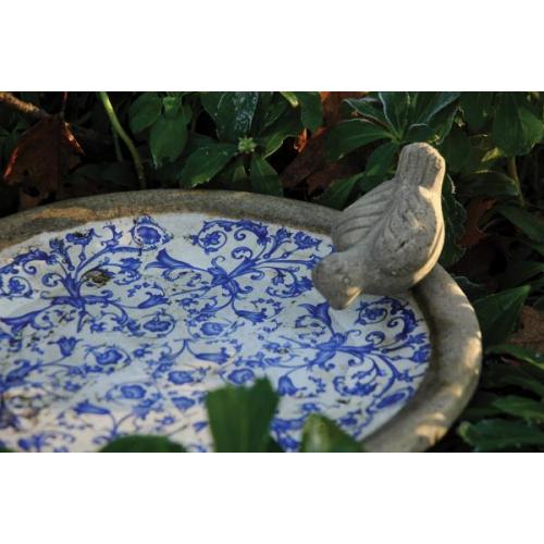 Antikolt madáritató